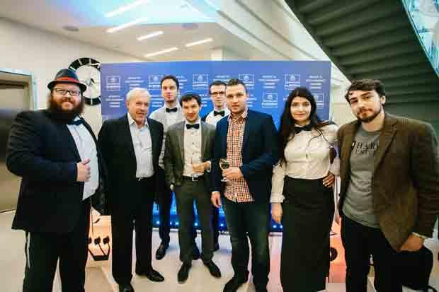 Российские знаменитости сыграли в интеллектуальную игру в еврейском центре