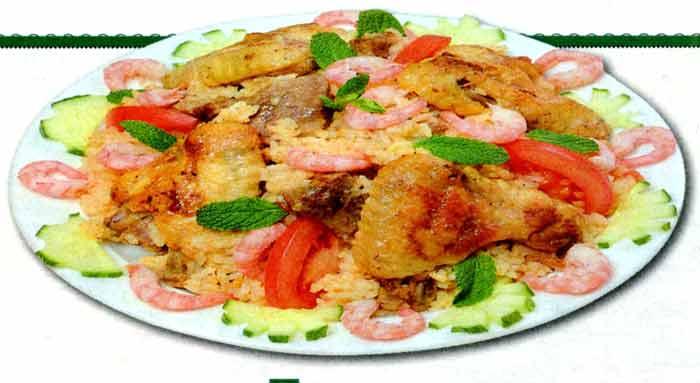 Паэлья с мясом и креветками