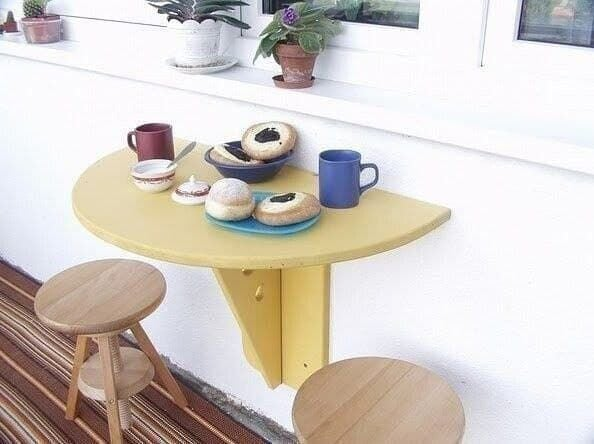 Самодельный бюджетный складной столик на балкон